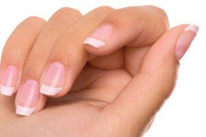 Почему слоятся и ломаются ногти