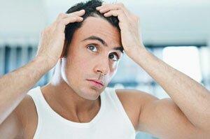 В чем причины ранней седины и выпадения волос у мужчин
