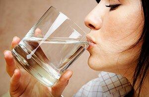 Как приучить себя пить воду. 5 простых способов